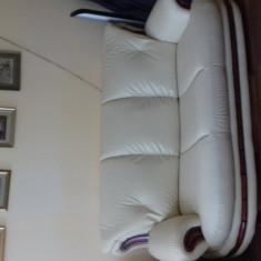 Set canapea extensibila si fotolii - Set mobila living