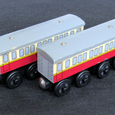 Thomas and Friends ✯ Wooden Railway ✯ 2 x EXPRESS COACH ✯ Magnetic Vagons ✯ 2003 - Trenulet, Locomotive