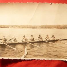 Fotografie Lotul National Canotaj - Fete anii '60, dim.=11, 5x8, 5 cm