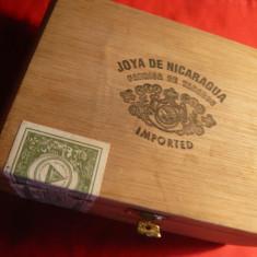 Cutie din lemn pt. trabucuri Joya de Nicaragua , dim.=16,5x11,7 cm ,timbru orig
