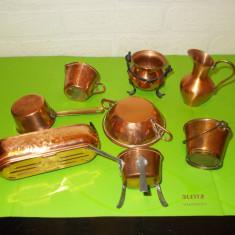 LOT format din 8 mici OBIECTE DECORATIVE lucrate din CUPRU, miniaturi (1) - Metal/Fonta, Ornamentale