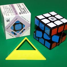 Competitional Dayan Zanchi - Cub Rubik 3x3x3 + Stand Gratuit pentru cub