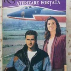 Aterizare Fortata - A.hampson, 404744 - Roman dragoste