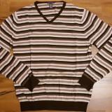 Pulover barbati H&M   Marime: L   Culoare: maro cu dungi