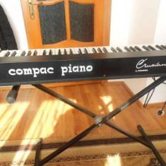 Vand Pian Compac Piano produs de Crumar, made in Italia, stare foarte buna
