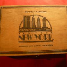 Cutie pt Trabucuri- New York-Te Amo la Guardia mexic ,lemn ,dim.=21,5x14,5x7cm