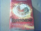Veronica Roth - EXPERIMENT { 2014 } / al treilea volum din trilogia 'Divergent', Corint