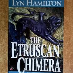 Lyn Hamilton - The Etruscan Chimera - Carte in italiana
