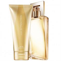 Apa de parfum Attraction Her Avon 50ml + lotiune de corp 150ml - Parfum femeie