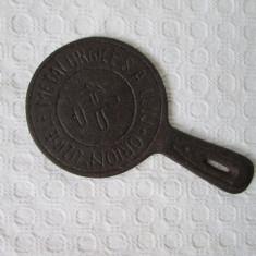 Capac spirtiera interbelica cu emblema, Capac fonta Uzine Metalurgice Orion Cluj - Metal/Fonta