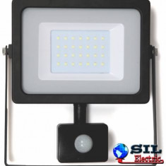 Proiector cu LED SMD 30W cu senzor 2400lm IP44 4000K Well