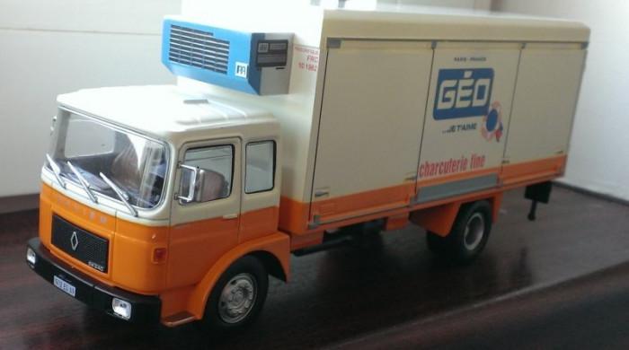 Macheta camion Saviem SM 240 Frigorific (similar ROMAN) - noua, scara 1/43 foto mare