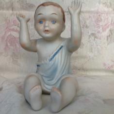 Piano Baby, figurina veche din portelan biscuit - Bibelou vechi