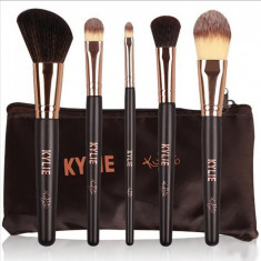 Set 5 Pensule Kylie Chocolate + Borseta - Pensula machiaj