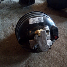 Pompa servofrana cu tulumba Audi A4 2.0 tdi 2008-2012 8K0612103L