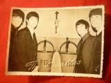 2 Fotografii - Formatia Beatles ,dim.9x12cm si 11,4x8,5 cm