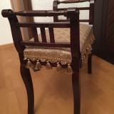 Scaun de lemn stil recent restaurat