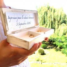 Dusty Pink Ring Box – Cutie personalizata verighete dreptunghiulara