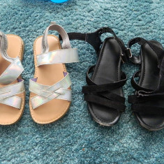 Set de doua sandalute de vara, sandale H&M, marimea 30, ideale de joaca - Sandale copii H&M, Culoare: Din imagine, Fete, Piele sintetica