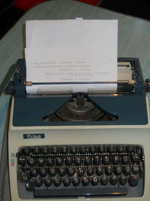 Masina de scris ERIKA