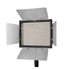Yongnuo YN-600L Lampa foto-video panou LED 600 LED-uri CRI 95 cu telecomanda - Lampa Camera Video