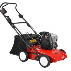 Scarificator pentru gazon cu motor termic 135 cmc HECHT S 390 H