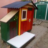Casa/casuta joaca din lemn si loc depozitare jucarii pentru copii