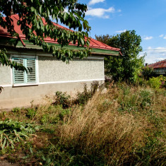 Casă cu dependințe şi 650 mp grădină, Bacău, la 10min de centru - Casa de vanzare, 62 mp, Numar camere: 2