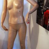 MANECHIN FEMEIE VINTAGE ANII 60'