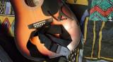 Vand chitara electro-acustica+husa,capodastru si curea la acelasi pret