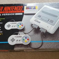 Vand consola SUPER NINTENDO, colectie, galben, cutie, accesorii originale - Consola Nintendo