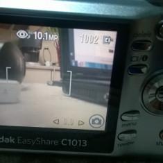 APARAT FOTO KODAK 10, 3 MPX EASY SHARE C1013 IMPECABIL+CARD LEXAR DE 2 GB - Aparate foto compacte