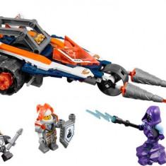 LEGO® NEXO KNIGHTS™ Motocicleta dubla a lui Lance 70348