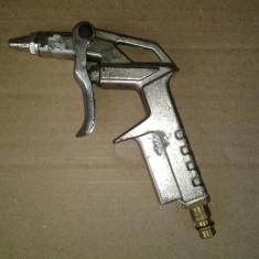 Pistol de suflat aer