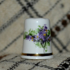 Degetar din portelan, de colectie - tematica : flori, Decorative