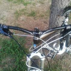 Oferta Bicicleta Mtb Steppenwolf - Mountain Bike, 26 inch, Numar viteze: 30