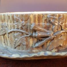 VECHI VAS DIN PORTELAN, PREINTA MARCAJ IN RELIEF, Decorative
