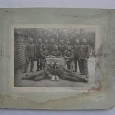 Fotografie veche, format mare - cu soldati din perioada WWI, Alb-Negru, Militar, Europa