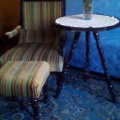 Mobila veche din secolul 19