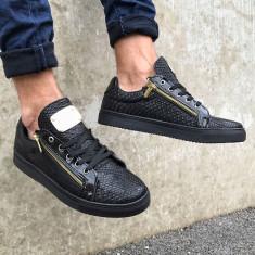 Pantofi casual pentru barbati, negri, cu siret, model unic, piele ecologica, logo auriu - zipper - Tenisi barbati, Marime: 44