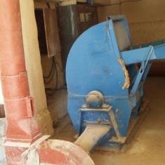 Moara de cereale + tablou + ventilator