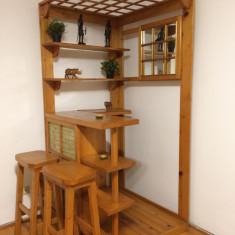 Mobilier de bar din lemn masiv