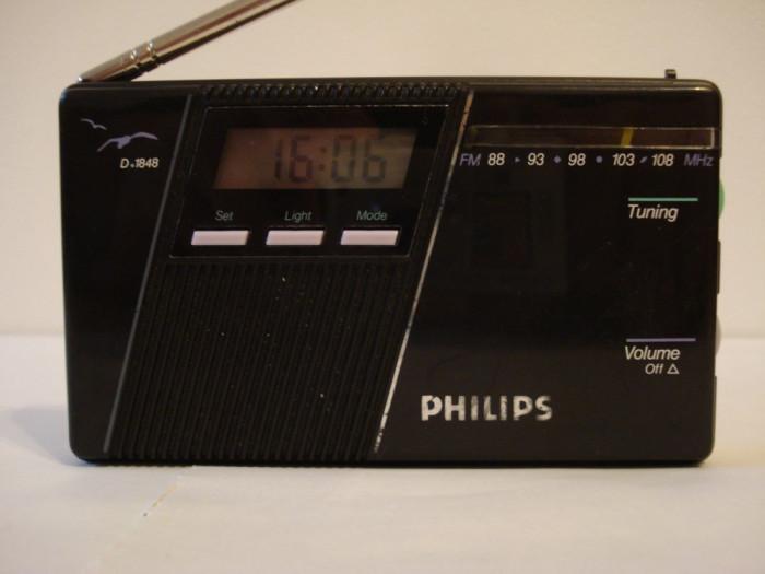 Radio portabil analog PHILIPS D-1848