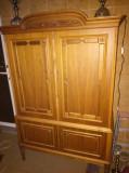 Comodina veche dulap pentru dormitor sau sufragerie