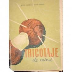 TRICOTAJE DE MANA - CORNELIA BOTH - Carte design vestimentar