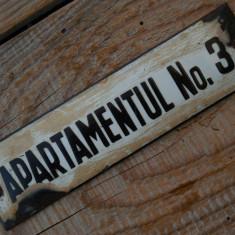 TABLIȚĂ VECHE DE APARTAMENT - NUMĂR DIN TABLĂ EMAILATĂ - AP. NO. 3 - ANII 1960!