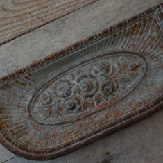 TAVĂ DE PROTECȚIE PT. JĂRATEC - CENUȘAR PT. SOBA DE TERACOTĂ - FONTĂ CU FLORI! - Metal/Fonta