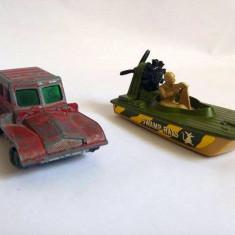 Lot 2 vehicle macheta fier Matchbox Lesney England barca militara cu soldat - Masinuta Hot Wheels