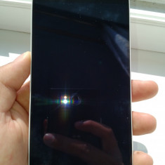 LG G3, Quad-core 2.5 GHz, 4K 30fps - Telefon mobil LG G3, Alb, 16GB, Neblocat, 2 GB