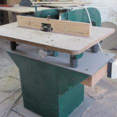 Masina pentru frezat lemnul - Rindea electrica